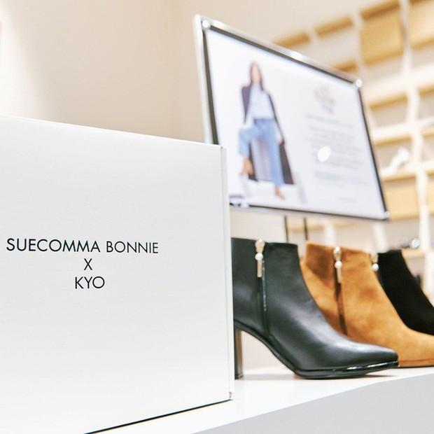 Song Hye Kyo trẻ trung như gái đôi mươi, gây thiện cảm khi tự thiết kế giày ủng hộ quỹ từ thiện - Ảnh 5.