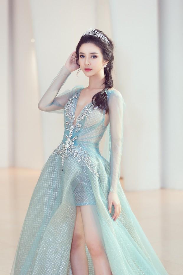 Khoảnh khắc xinh đẹp: Dàn Hoa hậu, Á hậu đình đám Vbiz đọ sắc, hoá Cinderella lộng lẫy như bước ra từ cổ tích - Ảnh 9.