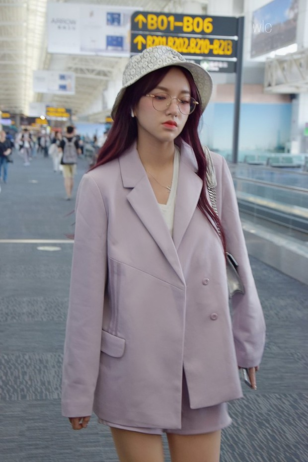 Mix đồ đỉnh là phải thế: Cùng 1 chiếc blazer mà Jennie, Jisoo, Dương Mịch… mỗi người diện 1 kiểu - Ảnh 3.