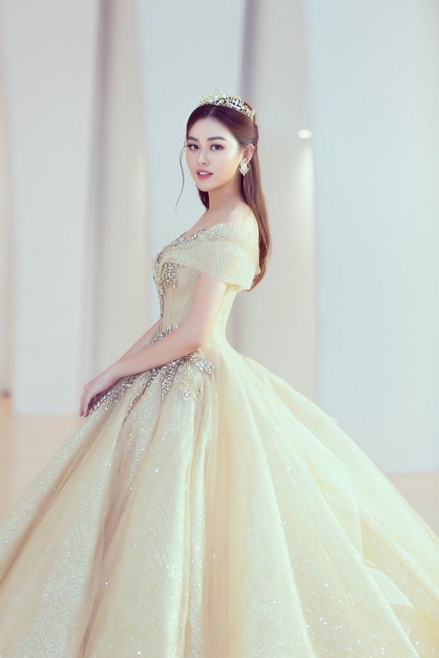 Khoảnh khắc xinh đẹp: Dàn Hoa hậu, Á hậu đình đám Vbiz đọ sắc, hoá Cinderella lộng lẫy như bước ra từ cổ tích - Ảnh 10.