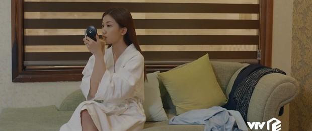 Preview Hoa Hồng Trên Ngực Trái tập 24: Lên giường với lính của Thái, Trà trơ trẽn làm không công còn muốn gì nữa? - Ảnh 1.