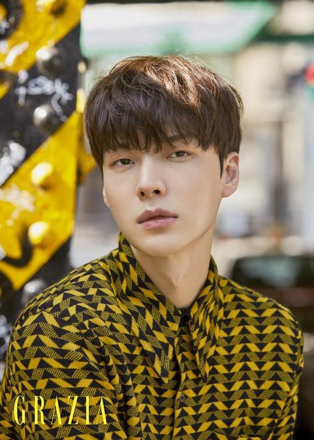 Showbiz đang loạn, Ahn Jae Hyun có động thái gây hoang mang trên Instagram - Ảnh 2.