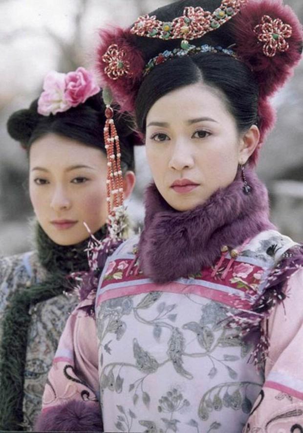 4 màn cung đấu trên phim drama hơn cả vụ Hoàng Quý Phi Thái Lan bị phế truất: Châu Tấn bị tát nát mặt, Tưởng Hân đập đầu tự vẫn - Ảnh 14.
