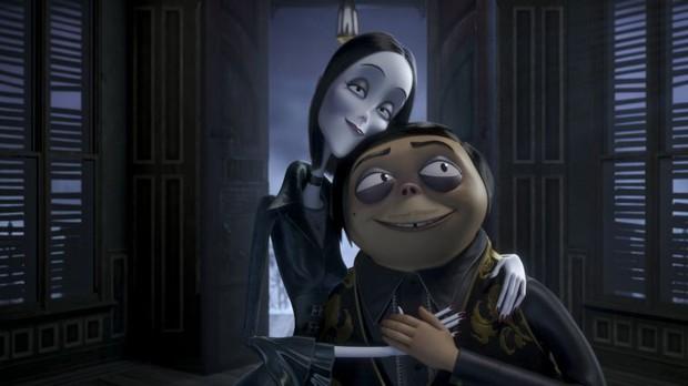 Cười đến nội thương với Gia Đình Addams - Hoạt hình kinh dị hài tét rún mùa Halloween - Ảnh 2.