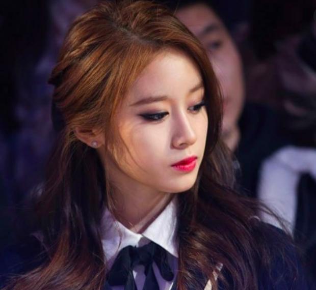 Trầm cảm đến tự vẫn, lịch trình dày đặc cùng loạt scandal xấu xí về showbiz Hàn khiến ai ai cũng tự hỏi: Làm idol có gì vui? - Ảnh 18.