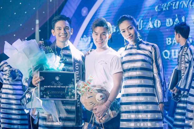 Sơn Ngọc Minh và bạn trai đồng giới lần đầu công khai lộ diện sau xác nhận chuyện hẹn hò - Ảnh 2.