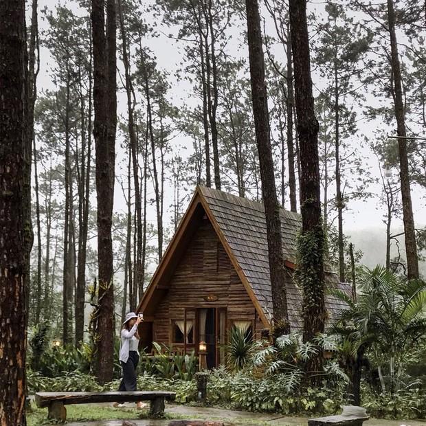 Ở Thái Lan xuất hiện 1 khu nghỉ dưỡng khiến giới trẻ rần rần, nhưng nhìn sao lại giống... Đà Lạt của Việt Nam quá vậy? - Ảnh 1.