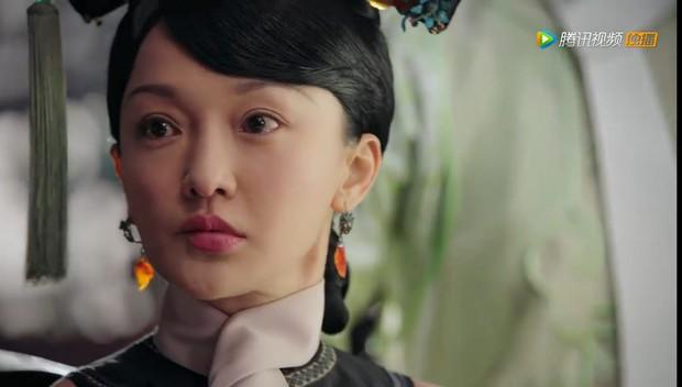 4 màn cung đấu trên phim drama hơn cả vụ Hoàng Quý Phi Thái Lan bị phế truất: Châu Tấn bị tát nát mặt, Tưởng Hân đập đầu tự vẫn - Ảnh 4.