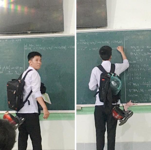 """Hay """"cà khịa"""" giấu giày dép của các bạn trong lớp, nam sinh phải làm cách này mỗi khi lên bảng để đồ đạc không bị thất lạc - Ảnh 1."""