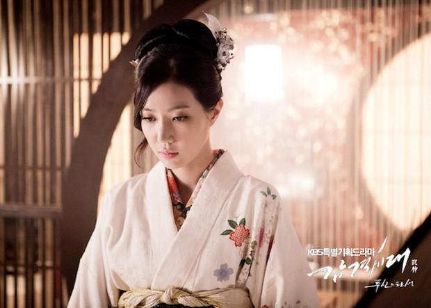 Mĩ nhân Gia Đình Đức Hạnh Im Soo Hyang: Ngôi sao sáng muộn xứ Hàn, thăng hạng chị đại nhờ ăn gà rán trong tù - Ảnh 7.