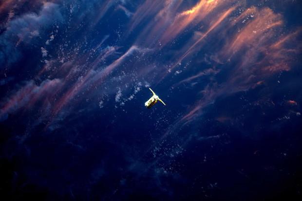 Những hình ảnh vũ trụ của NASA khiến bạn hoàn toàn choáng ngợp - Ảnh 2.