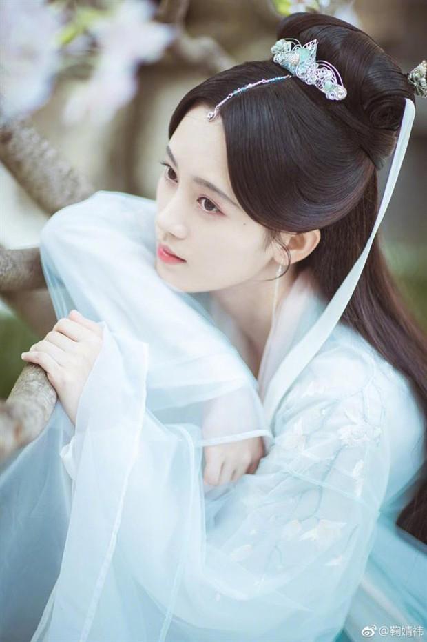 10 diễn viên Hoa ngữ cứ khoác áo lụa trắng lên là biến ngay thành thần tiên thoát tục ai nhìn cũng cưng - Ảnh 1.