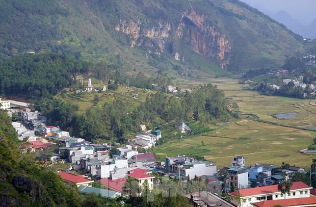 Cận cảnh siêu dự án Panorama phiên bản Đồng Văn bị đình chỉ - Ảnh 11.