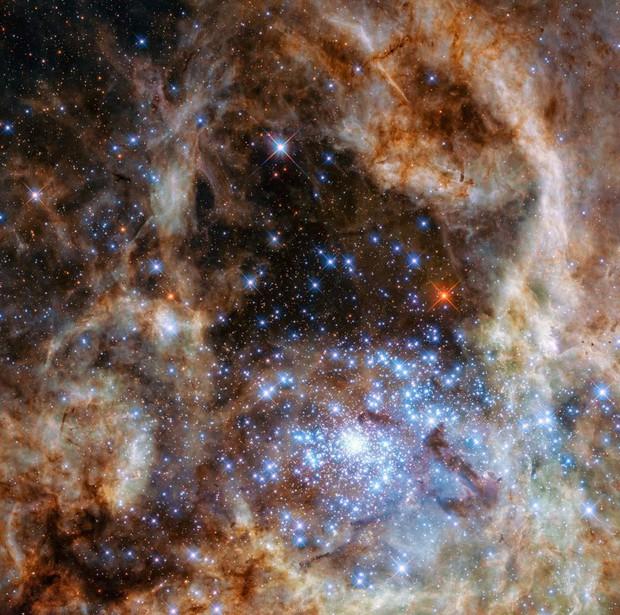 Những hình ảnh vũ trụ của NASA khiến bạn hoàn toàn choáng ngợp - Ảnh 12.