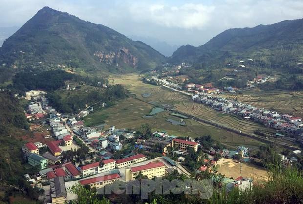 Cận cảnh siêu dự án Panorama phiên bản Đồng Văn bị đình chỉ - Ảnh 12.
