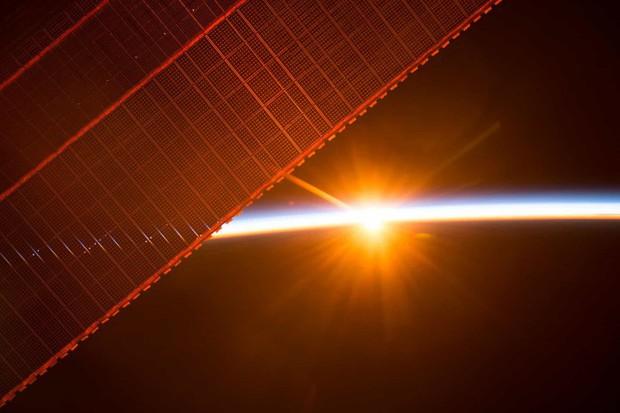 Những hình ảnh vũ trụ của NASA khiến bạn hoàn toàn choáng ngợp - Ảnh 4.