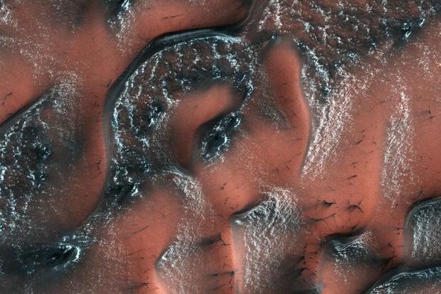 Những hình ảnh vũ trụ của NASA khiến bạn hoàn toàn choáng ngợp - Ảnh 5.