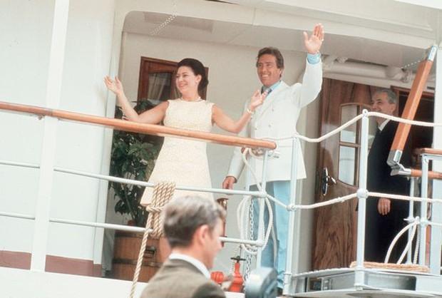 Lời nguyền trăng mật trên chiếc du thuyền sang trọng bậc nhất hoàng gia: 4 cặp đôi đều tan nát gia đình, trong đó có 3 người con của Nữ hoàng Anh - Ảnh 8.