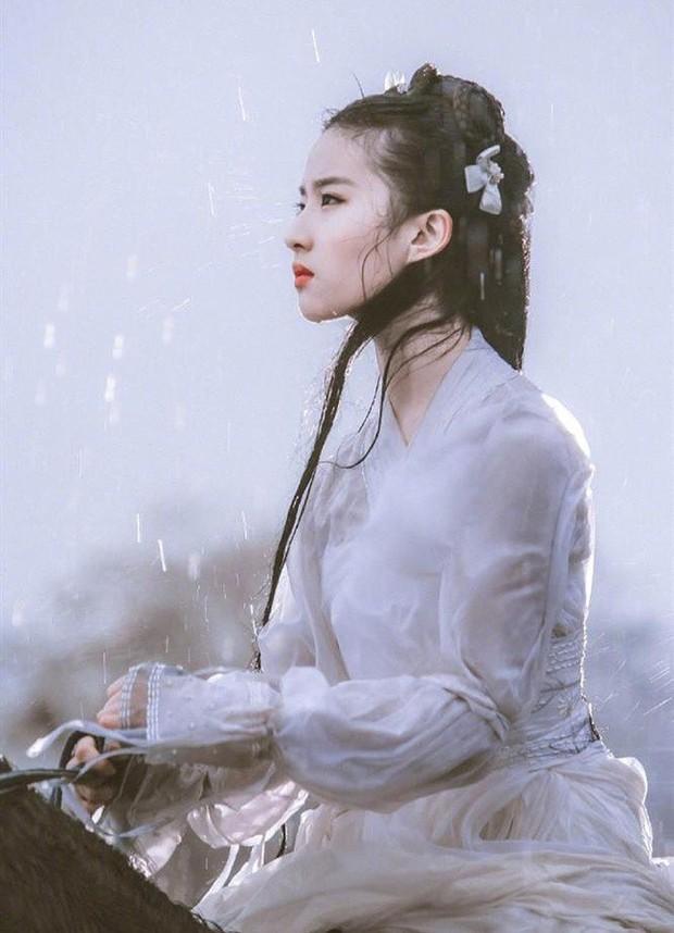 10 diễn viên Hoa ngữ cứ khoác áo lụa trắng lên là biến ngay thành thần tiên thoát tục ai nhìn cũng cưng - Ảnh 20.