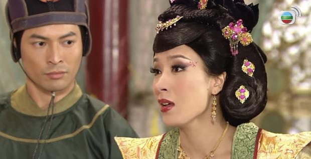 4 màn cung đấu trên phim drama hơn cả vụ Hoàng Quý Phi Thái Lan bị phế truất: Châu Tấn bị tát nát mặt, Tưởng Hân đập đầu tự vẫn - Ảnh 6.