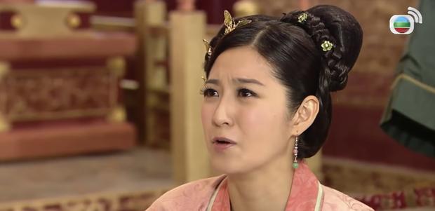 4 màn cung đấu trên phim drama hơn cả vụ Hoàng Quý Phi Thái Lan bị phế truất: Châu Tấn bị tát nát mặt, Tưởng Hân đập đầu tự vẫn - Ảnh 7.