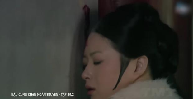 4 màn cung đấu trên phim drama hơn cả vụ Hoàng Quý Phi Thái Lan bị phế truất: Châu Tấn bị tát nát mặt, Tưởng Hân đập đầu tự vẫn - Ảnh 13.