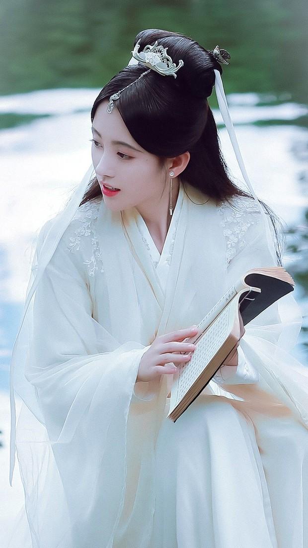 10 diễn viên Hoa ngữ cứ khoác áo lụa trắng lên là biến ngay thành thần tiên thoát tục ai nhìn cũng cưng - Ảnh 2.
