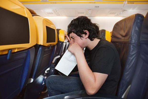 16 bí mật trên máy bay mà các tiếp viên không bao giờ để lộ với hành khách, nhưng có những dấu hiệu để nhận ra chúng (Phần 2) - Ảnh 13.