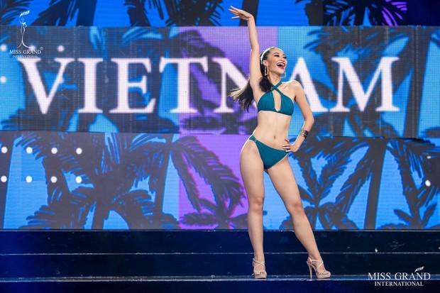 Kiều Loan hô to Việt Nam, trình diễn vị trí vedette tự tin dù gặp áp lực từ khán giả chủ nhà trong đêm thi bán kết - Ảnh 2.