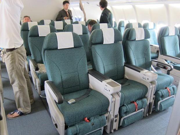 Sự thật về 4 hạng ghế phổ biến trên máy bay: Hạng thương gia (Business Class) không phải là cao cấp nhất như nhiều người nghĩ - Ảnh 8.