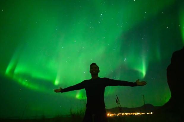 Trải nghiệm chỉ vài phần trăm dân số được thử trong đời: Săn Bắc Cực Quang hốt hình sống ảo đẹp như một giấc mơ - Ảnh 4.