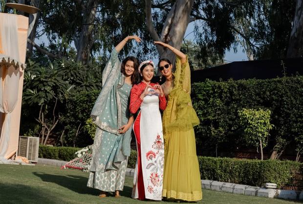 Ngọc Hân, Phương Nga dự đám cưới 5 ngày của con gái đại gia Ấn Độ: Diện Áo dài nền nã, nổi bật bên cô dâu chú rể - Ảnh 10.