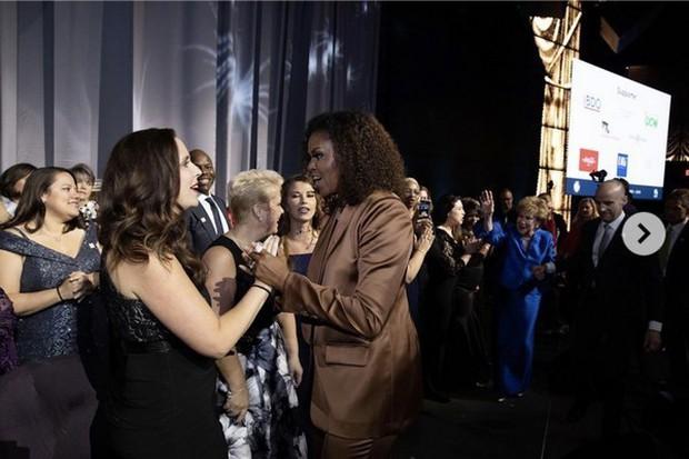 Danh tính vị khách hàng mới nhất của NTK Công Trí sẽ khiến chúng ta phải há hốc: Michelle Obama! - Ảnh 3.