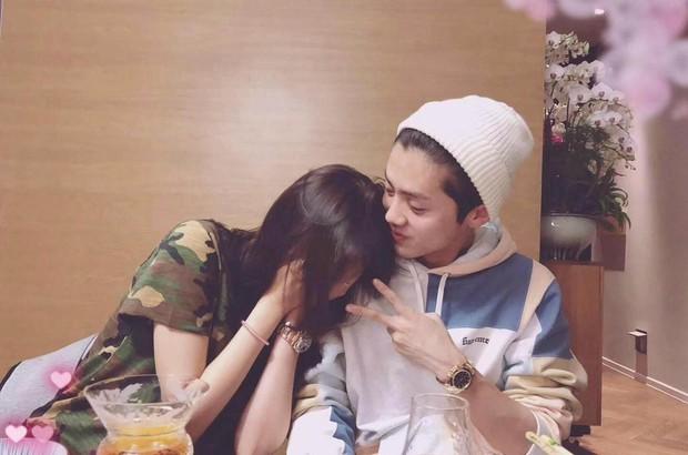 Cặp đôi bất ngờ cưới của Cbiz: Luhan quyết định rước Quan Hiểu Đồng về dinh, thủ tục đăng ký kết hôn đã hoàn tất? - Ảnh 1.