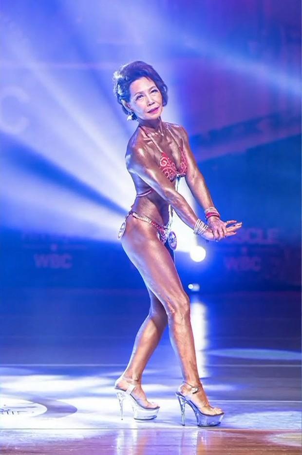 Sở hữu vóc dáng không tưởng ở tuổi 75, cụ bà Hàn Quốc đè bẹp nhiều đối thủ nặng ký trong cuộc thi thể hình danh tiếng - Ảnh 3.
