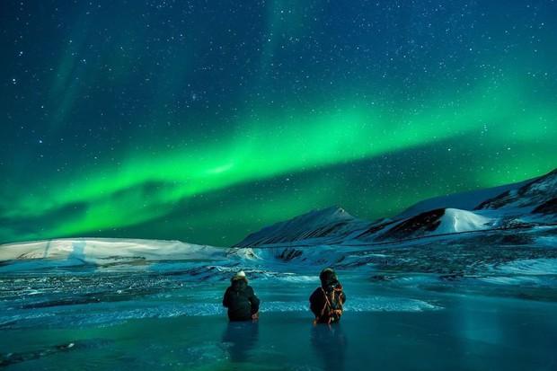 Trải nghiệm chỉ vài phần trăm dân số được thử trong đời: Săn Bắc Cực Quang hốt hình sống ảo đẹp như một giấc mơ - Ảnh 7.