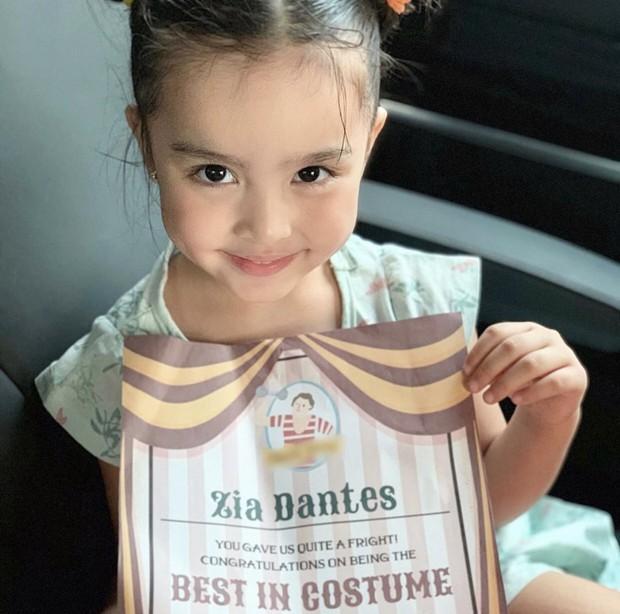 Con gái mỹ nhân đẹp nhất Philippines gây sốt vì hóa trang Halloween, visual trong ảnh hậu trường còn mãn nhãn hơn - Ảnh 4.