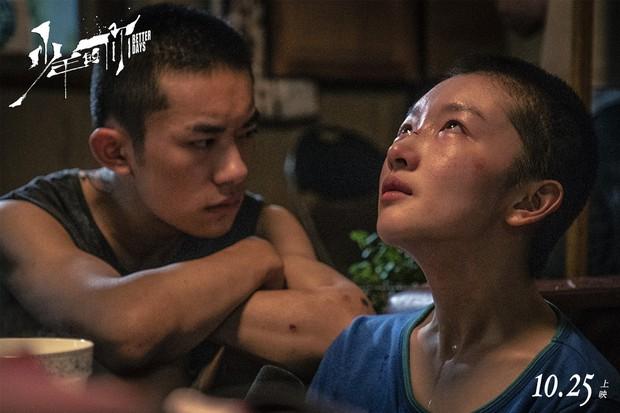 Em Của Niên Thiếu bùng nổ doanh thu đặt trước tại Trung Quốc: Châu Đông Vũ xuống tóc thu phục trái tim khán giả - Ảnh 6.