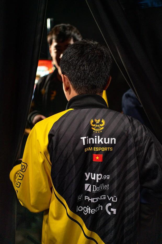 Nhận nhiều gạch đá sau thất bại tại CKTG, HLV Tinikun rời khỏi GAM Esports? - Ảnh 3.