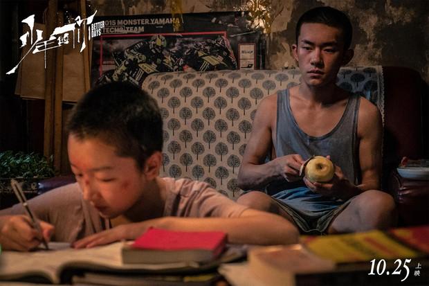 Em Của Niên Thiếu bùng nổ doanh thu đặt trước tại Trung Quốc: Châu Đông Vũ xuống tóc thu phục trái tim khán giả - Ảnh 8.