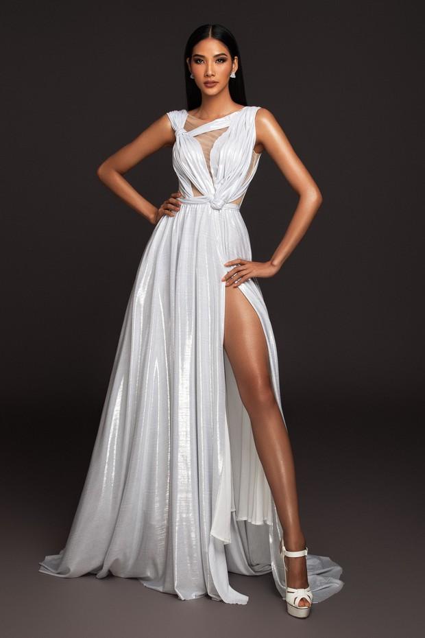 Mãn nhãn với bộ ảnh Hoàng Thùy trên trang chủ Miss Universe, đáng chú ý vẫn là vòng 1 căng đầy dính nghi vấn dao kéo - Ảnh 8.