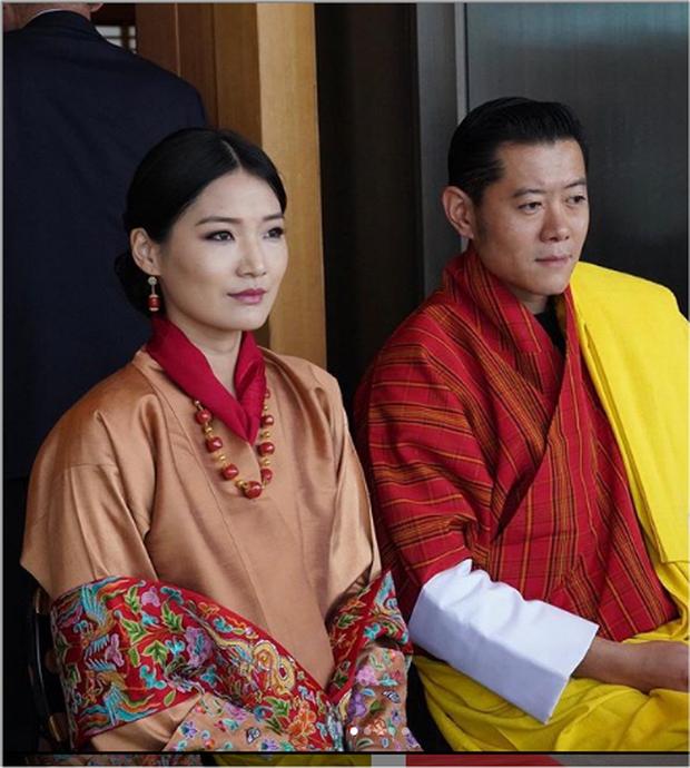 Hoàng hậu vạn người mê Bhutan khiến dân tình phát sốt tại lễ đăng quang Nhật hoàng để lộ loạt ảnh quá khứ gây ngỡ ngàng - Ảnh 1.