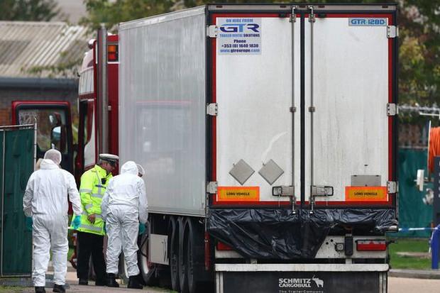Vụ 39 thi thể trong container gây chấn động Anh: Nạn nhân đã chết ít nhất 12 tiếng, tài xế suýt ngất khi phát hiện thảm kịch - Ảnh 2.