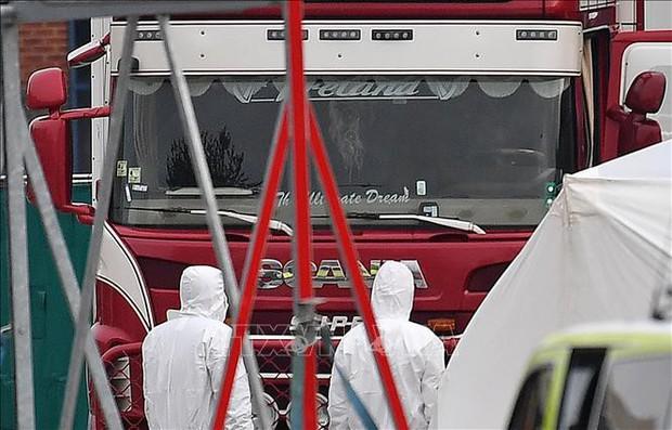 Cảnh sát Anh bắt giữ thêm các nghi can vụ 39 người chết trong xe tải - Ảnh 1.