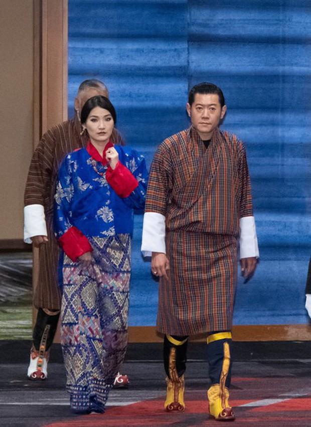 Hoàng hậu vạn người mê Bhutan khiến dân tình phát sốt tại lễ đăng quang Nhật hoàng để lộ loạt ảnh quá khứ gây ngỡ ngàng - Ảnh 3.