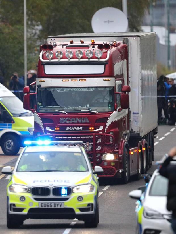 Vụ 39 thi thể trong container gây chấn động Anh: Nạn nhân đã chết ít nhất 12 tiếng, tài xế suýt ngất khi phát hiện thảm kịch - Ảnh 4.