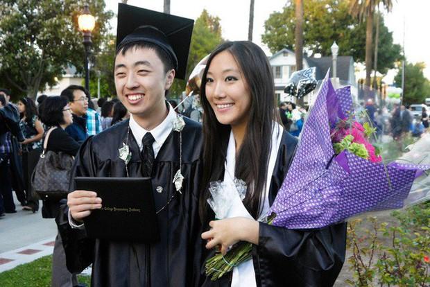 Phụ huynh Trung Quốc toát mồ hôi kiếm tiền cho con du học Mỹ: Chi phí hàng trăm nghìn USD, đến người giàu cũng muốn khóc!  - Ảnh 6.