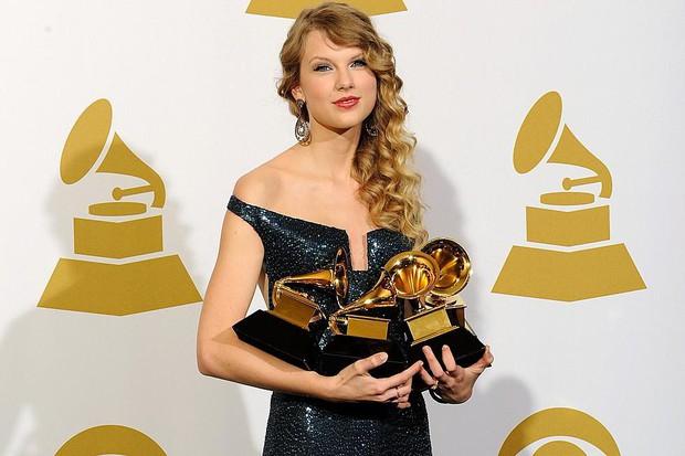 Cái tên Taylor Swift đã xuất hiện trên làng nhạc thế giới được 13 năm và đây là 13 cột mốc lớn trong sự nghiệp khiến ai ai cũng phải trầm trồ - Ảnh 3.