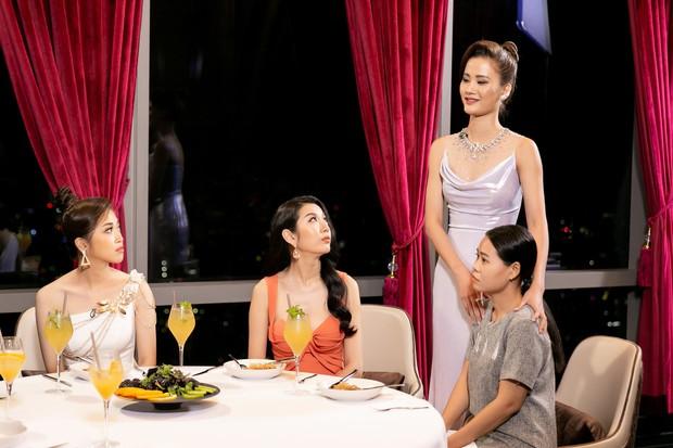 Hoa hậu Hoàn vũ VN: Hương Ly bị Hoàng Thùy chê xử lý không khéo léo, cư dân mạng tranh cãi sôi nổi - Ảnh 3.