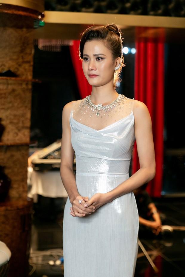 Hoa hậu Hoàn vũ VN: Hương Ly bị Hoàng Thùy chê xử lý không khéo léo, cư dân mạng tranh cãi sôi nổi - Ảnh 5.